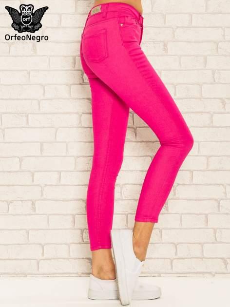 Różowe spodnie rurki skinny z kieszeniami                                  zdj.                                  3