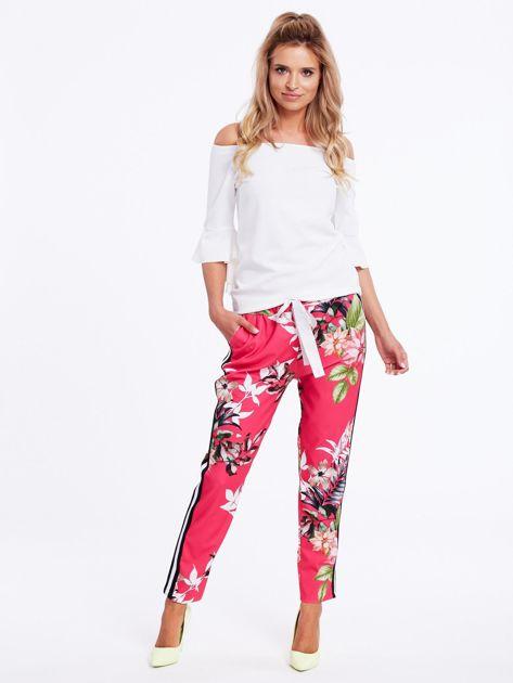 Różowe spodnie w kwiaty z lampasami                              zdj.                              4