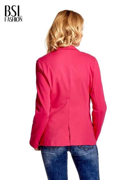 Różowy bawełniany żakiet damski na jeden guzik                                  zdj.                                  4