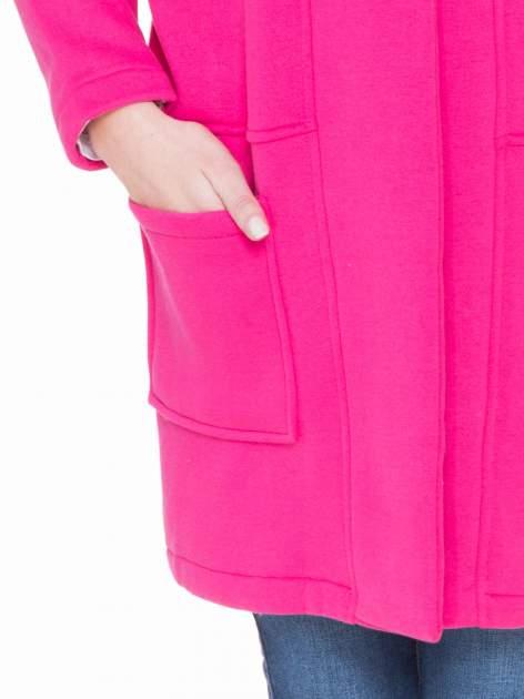 Różowy dresowy płaszcz z kapturem i kieszeniami                                  zdj.                                  7