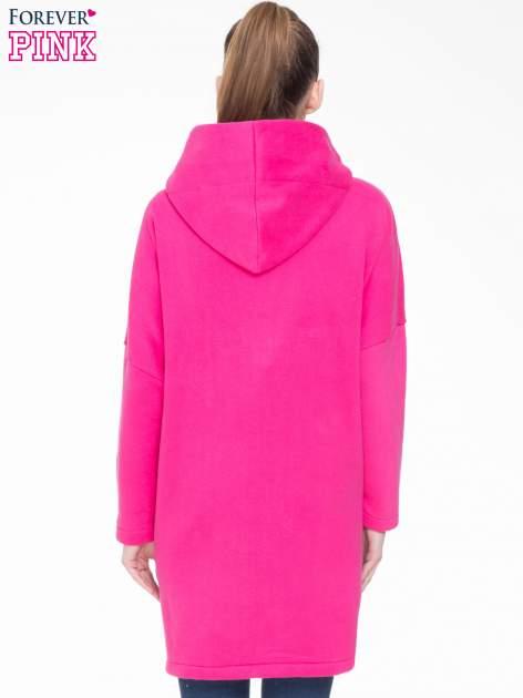 Różowy dresowy płaszcz z kapturem i kieszeniami                                  zdj.                                  4