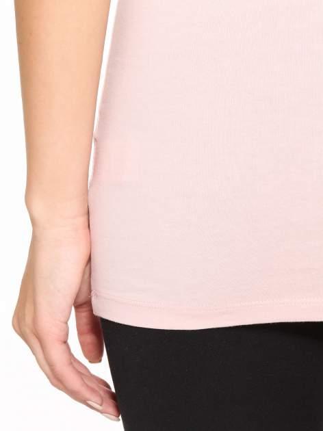 Różowy jednolity top na szerokich ramiączkach                                  zdj.                                  10