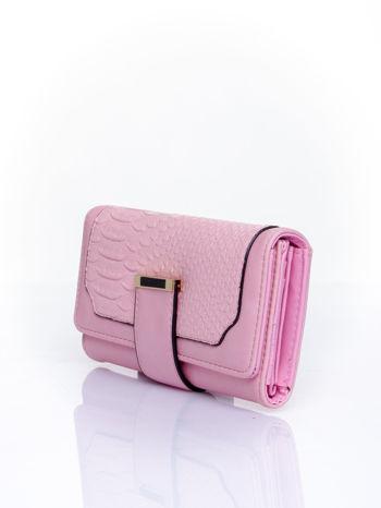 Różowy portfel z motywem skóry aligatora                                   zdj.                                  3