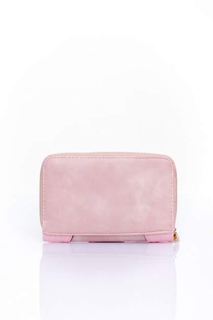 Różowy portfel z ozdobną złotą klamrą                                  zdj.                                  2