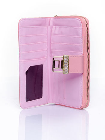 Różowy portfel z ozdobnym zapięciem i złotym uchwytem                                  zdj.                                  4