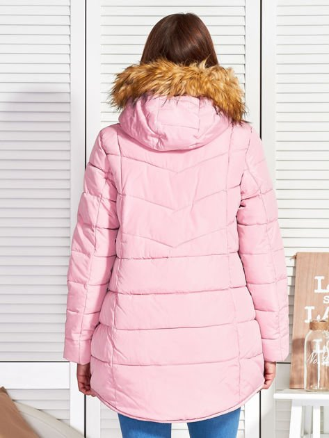 Różowy puchowy krótki płaszcz z pikowzaniem                              zdj.                              2