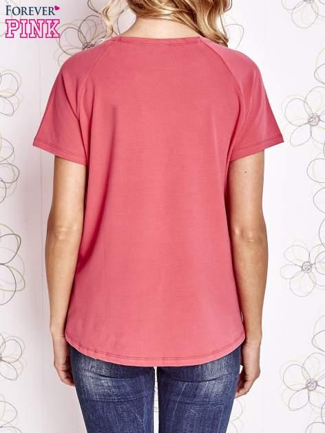 Różowy t-shirt z aplikacją owadów                                   zdj.                                  4