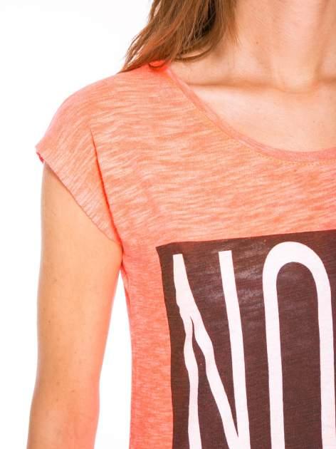 Różowy t-shirt z nadrukiem NOPE                                  zdj.                                  6