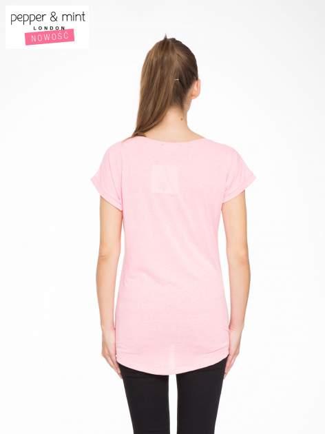 Rózowy t-shirt z napisem JUST YOU AND ME                                  zdj.                                  3