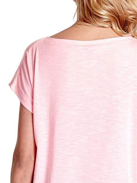 Różowy t-shirt z napisem WASZA WYSOKOŚĆ                                  zdj.                                  6