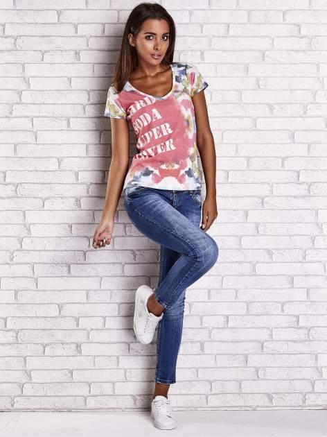 Różowy t-shirt z symetrycznym printem i napisem SUPER LOVER                                  zdj.                                  4