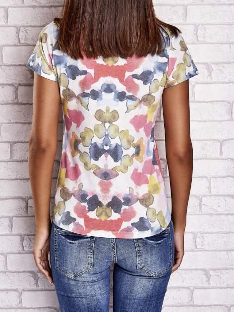 Różowy t-shirt z symetrycznym printem i napisem SUPER LOVER                                  zdj.                                  2