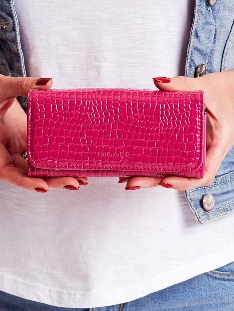 Różowy tłoczony portfel z ekoskóry