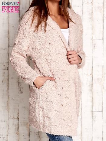 Różowy włochaty sweter z kapturem                              zdj.                              3