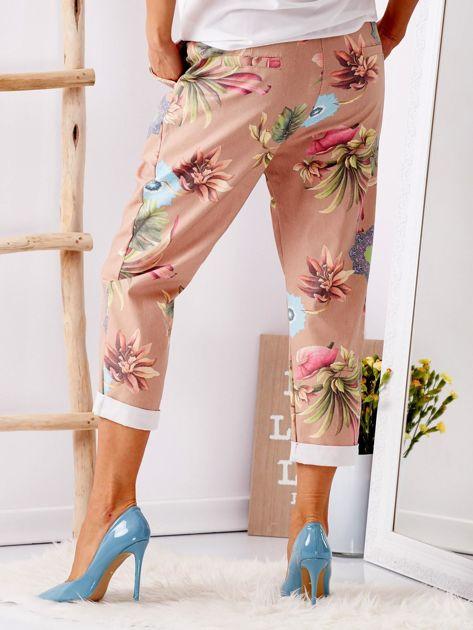 Beżowe spodnie w kwiaty                              zdj.                              2