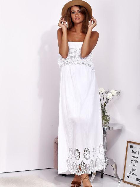 Biała sukienka maxi bez ramion z koronkową falbaną                              zdj.                              1