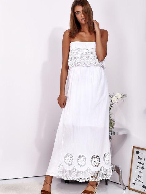 Biała sukienka maxi bez ramion z koronkową falbaną                              zdj.                              5
