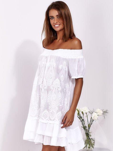SCANDEZZA Biała sukienka mini hiszpanka z koronką                              zdj.                              5