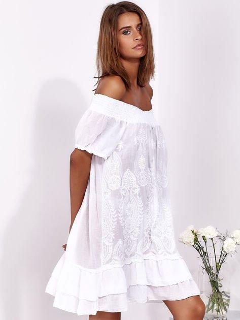 SCANDEZZA Biała sukienka mini hiszpanka z koronką                              zdj.                              3