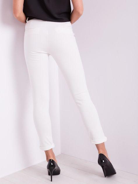 Białe spodnie damskie                              zdj.                              2