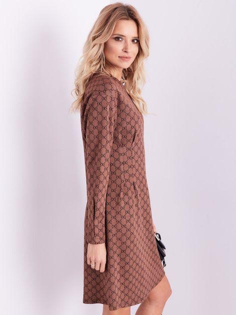 Brązowa sukienka ze wzorem                              zdj.                              8