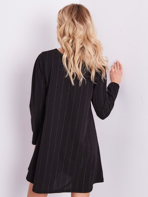 Czarna sukienka o luźnym kroju                              zdj.                              7
