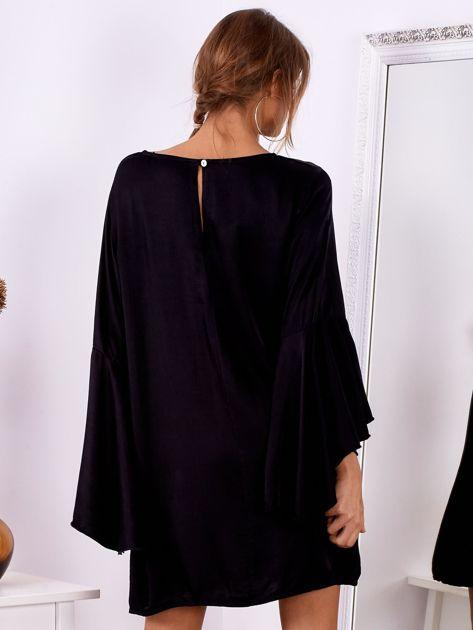 Czarna sukienka z hiszpańskimi rękawami                              zdj.                              3
