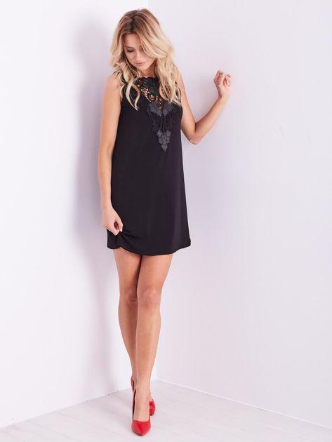 Czarna sukienka z koronką                              zdj.                              4