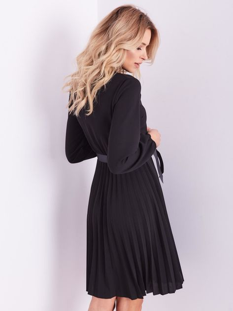 Czarna sukienka z wiązaniami                              zdj.                              10