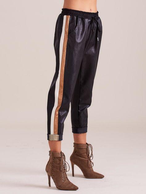 Czarne skórzane spodnie                              zdj.                              5