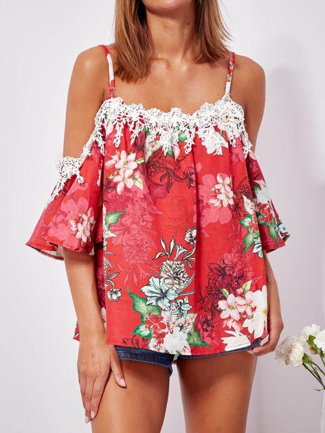 Czerwona lniana bluzka cold shoulder w kwiaty                              zdj.                              5
