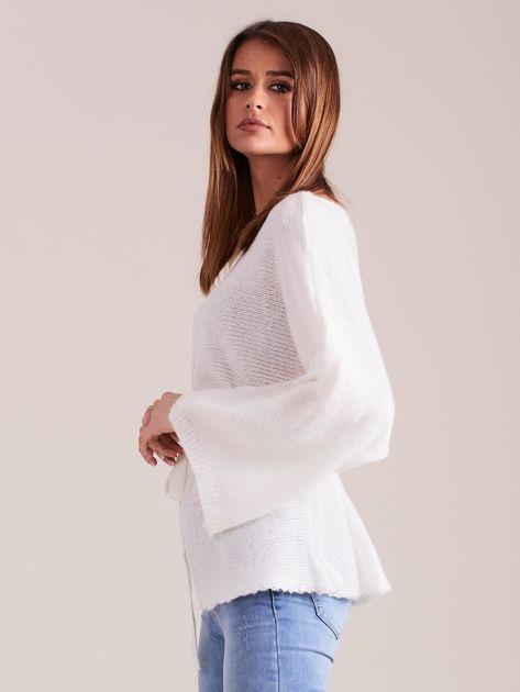 Ecru sweter z szerokimi rękawami                              zdj.                              5
