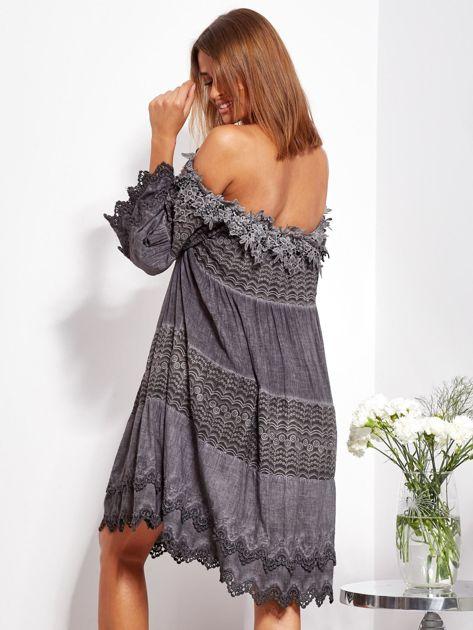 Grafitowa sukienka hiszpanka z koronką i perełkami                              zdj.                              6