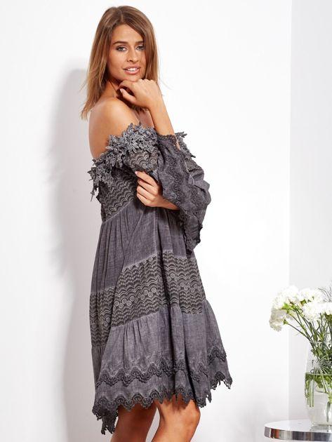 Grafitowa sukienka hiszpanka z koronką i perełkami                              zdj.                              7