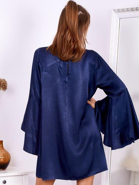 Granatowa sukienka z hiszpańskimi rękawami                              zdj.                              2
