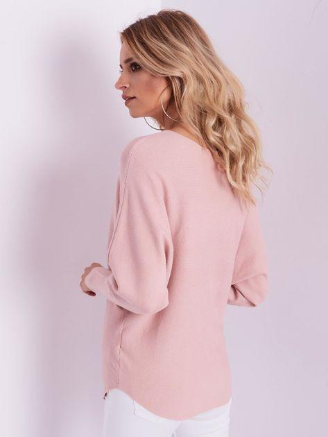 Jasnoróżowy sweter oversize z błyszczącym napisem                              zdj.                              8