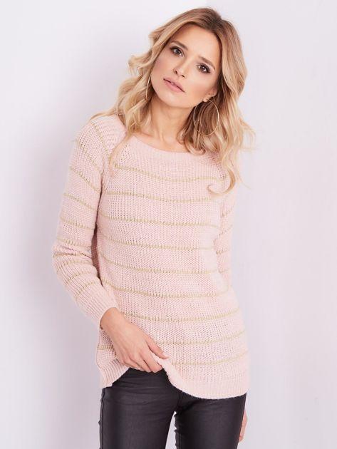 Jasnoróżowy sweter z błyszczącą nitką                              zdj.                              3