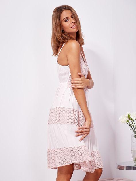 Różowa sukienka na ramiączkach z koronką                              zdj.                              6