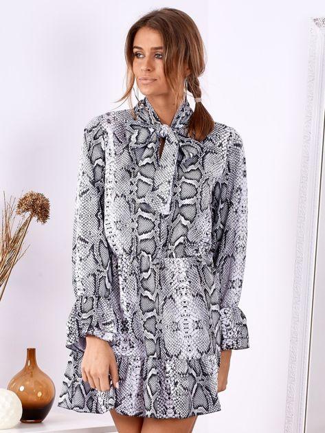 SCANDEZZA Szara wężowa sukienka z wiązanym chokerem                              zdj.                              1
