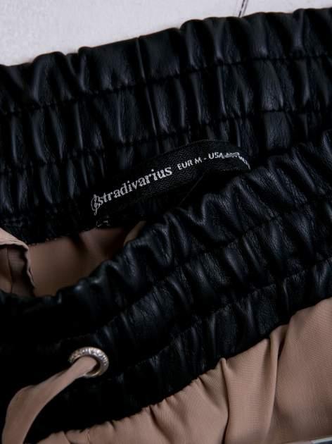STRADIVARIUS Beżowe spodnie ze skórzanym pasem i zamkami                                  zdj.                                  3
