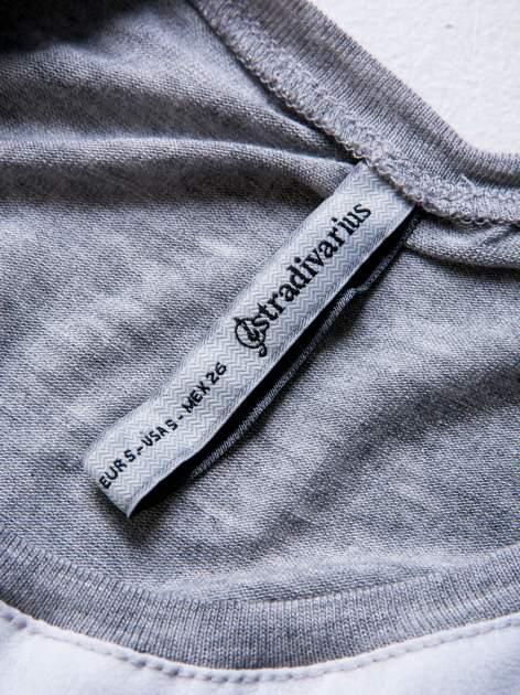 STRADIVARIUS Biała bluzka typu cropped z napisem CALIFORNIA                                  zdj.                                  3