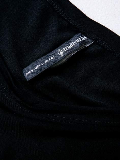 STRADIVARIUS Czarna bluzka z napisem LOVING ze złotym akcentem                                  zdj.                                  3