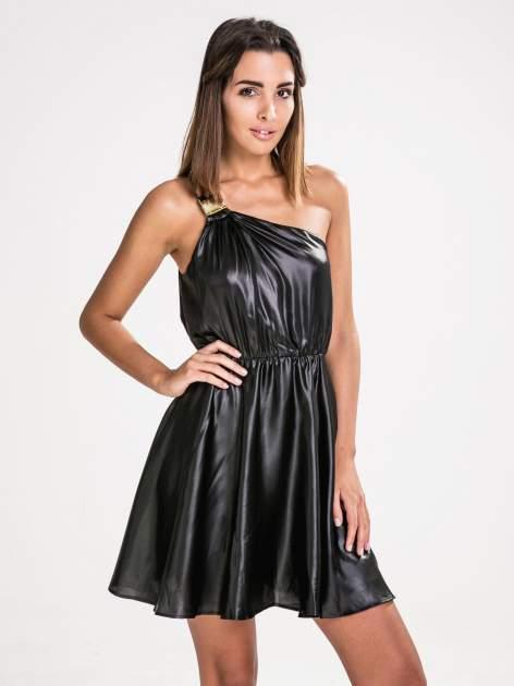 STRADIVARIUS Czarna skórzana sukienka na jedno ramię                                  zdj.                                  1