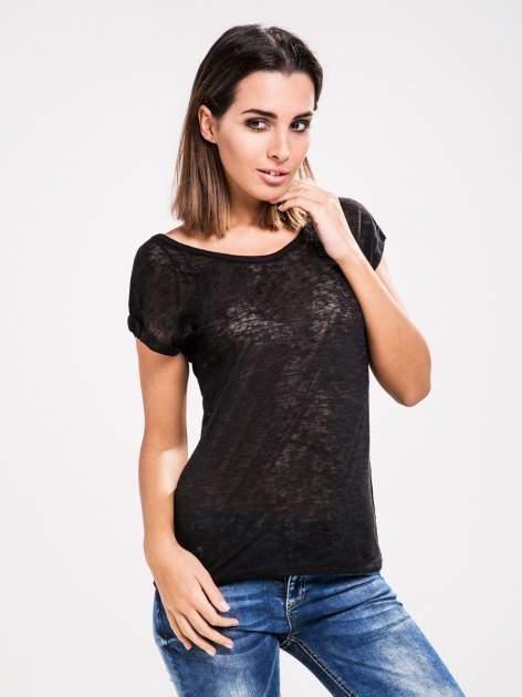 STRADIVARIUS Czarny półtransparentny t-shirt z podwijanymi rękawkami                                  zdj.                                  1