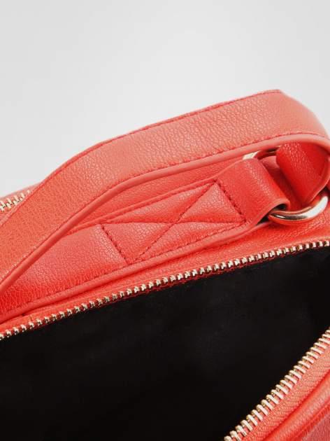 STRADIVARIUS Czerwona torbka listonoszka na pasku                                  zdj.                                  3