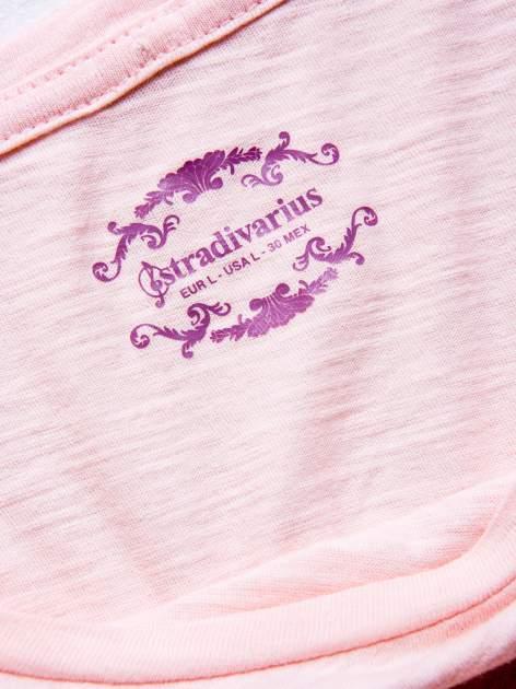STRADIVARIUS Różowy t-shirt basic z kieszonką                                  zdj.                                  3