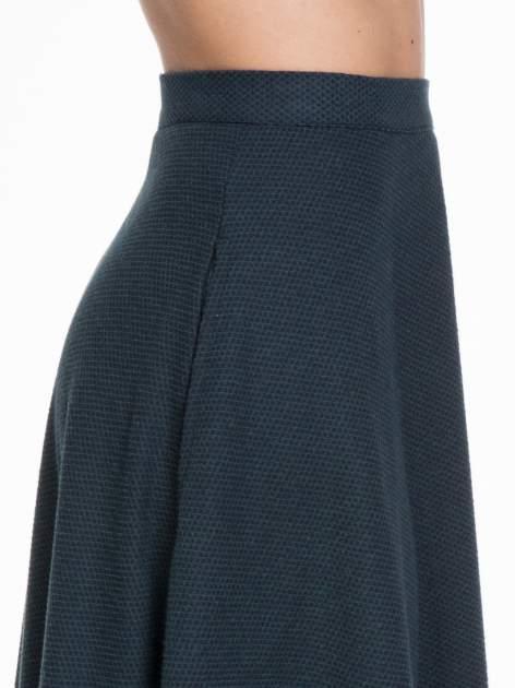 Spódnica midi szyta z półkola w kolorze butelkowej zieleni                                  zdj.                                  4