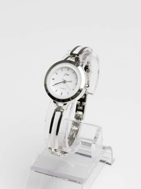 Srebrny elegancki i delikatny zegarek damski