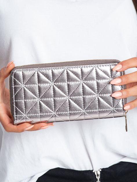Srebrny portfel z pikowaniem                              zdj.                              2