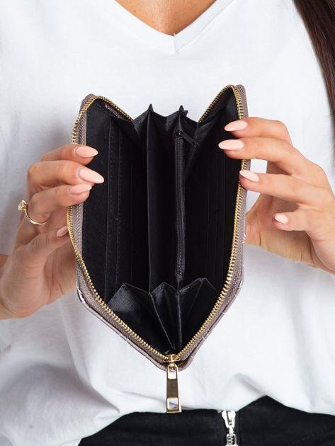 Srebrny portfel z pikowaniem                              zdj.                              4